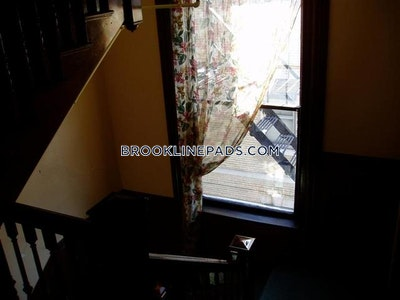 Brookline Apartment for rent 1 Bedroom 1 Bath  Coolidge Corner - $1,850