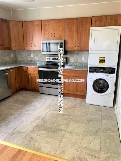 Mission Hill Apartment for rent 3 Bedrooms 1 Bath Boston - $2,700