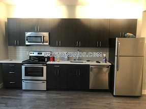 Lynn Gorgeous 1 bed 1 bath in Downtown Lynn - $1,600